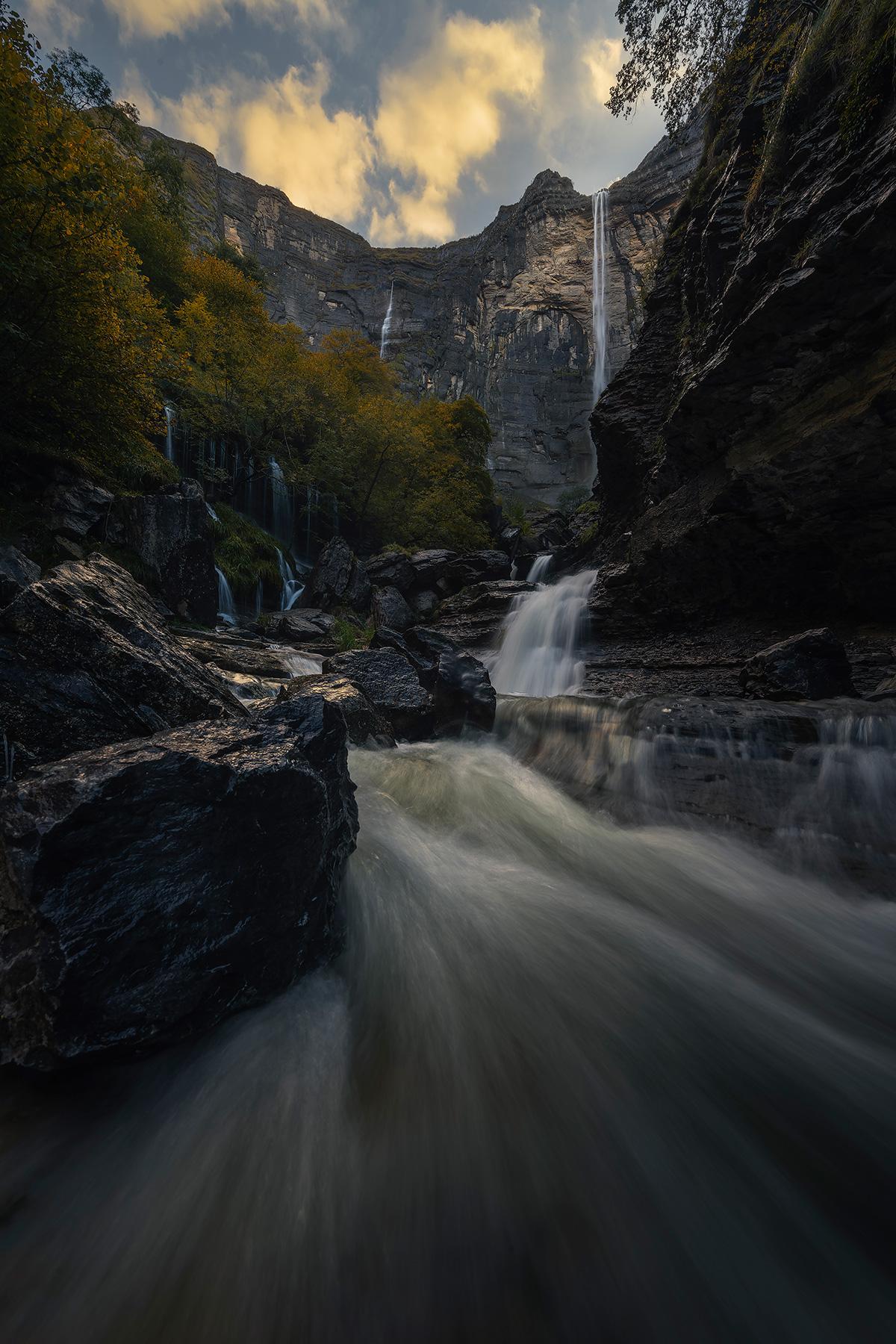 Mikel_Larrea-Basquefalls_canyon